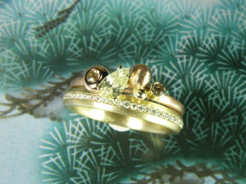 Eternity ring eeuwigheidsring pavé diamant briljant huwelijksjubileum zo veel jaar getrouwd gouden diamanten huwelijk