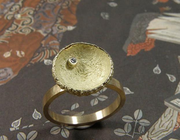 cirkels ring * saffier * maatwerk voor pien