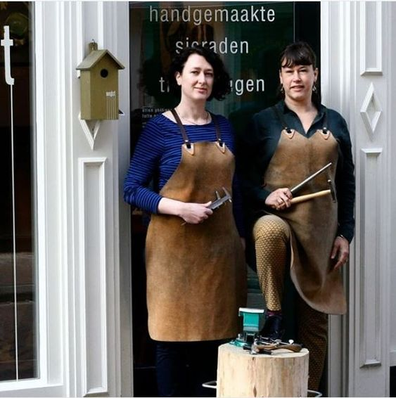 Ellen and Lotte, goldsmiths & designers at Oogst Amsterdam. Blog about maker's mark.