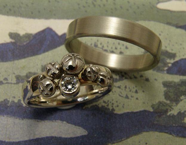 trouwringen bessen & eenvoud / berries & simplicity wedding rings * 2395,- & 895,-