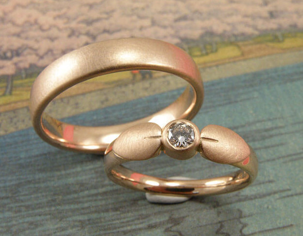trouwringen koraal / coral wedding rings * 945,- & 1250,-