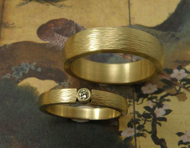 trouwringen ritme / rhythm wedding rings * 820,- & 1040,-