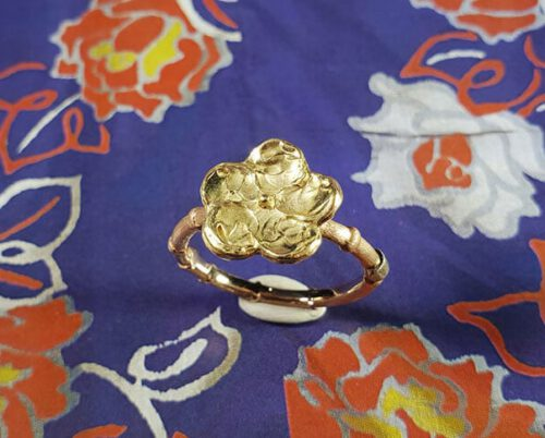 Roodgouden met geelgouden ring Kamon japonais. Rose gold ring with yellow gold flower kamon. Japonais collectie Oogst Amsterdam