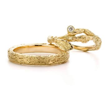 Trouwringen Boomgaard. Geelgouden takjes ring met diamant. Geelgouden takjes ring. Wedding rings Orchard. Yellow gold twig with diamond ring. Yellow gold wedding band. Oogst edelsmid Amsterdam. Handgemaakte trouwringen.