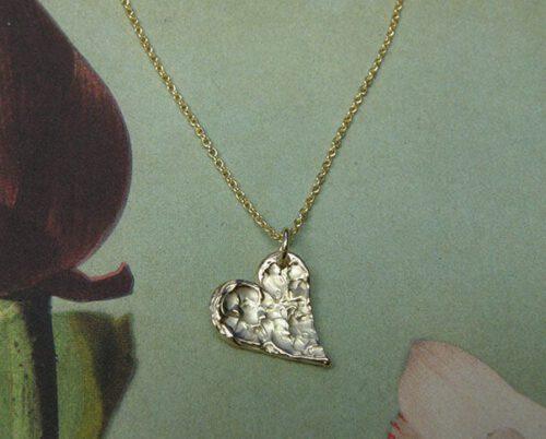 Geelgouden Hart hanger. Gedenksieraad. Yellow gold Heart pendant. Commemorative jewel. Oogst Amsterdam goudsmid.