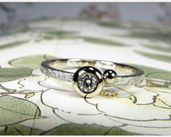 Witgouden ring Boleet met diamant. Oogst Goudsmid Amsterdam