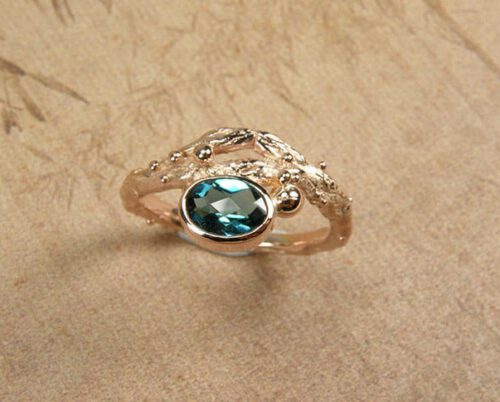 Boomgaard ring met roosgeslepen topaas in roodgoud. Rose golden 'Orchard' ring with topaz. Oogst Amsterdam.