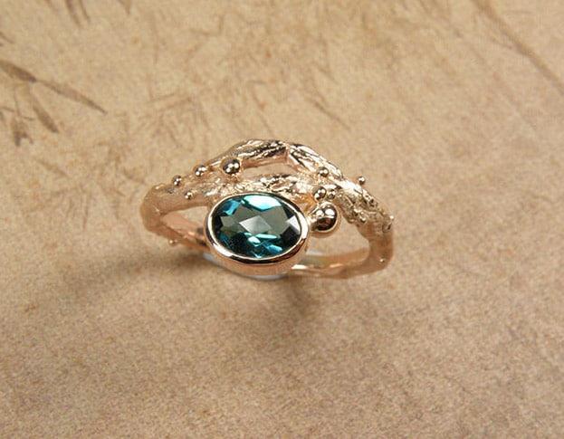Boomgaard ring met roosgeslepen topaas in roodgoud. Rose golden 'Orchard' ring with topaz. Oogst Amsterdam.