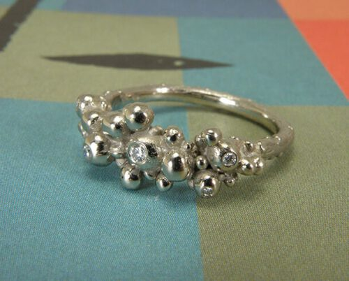 White gold Berries ring with diamonds. Oogst goldsmith Amsterdam. Independent jewellery designer.