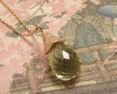 Roodgouden hanger met lemon quartz. Rose gold pendant with lemon quartz. Oogst goudsmid Amsterdam