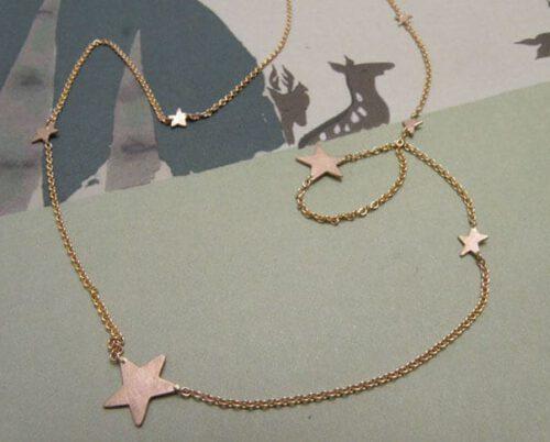 Roodgouden collier Sterren. Geboortesieraad. Baargoud. Rose gold necklace Stars. Birth gift. Push present. Oogst ontwerp & creatie