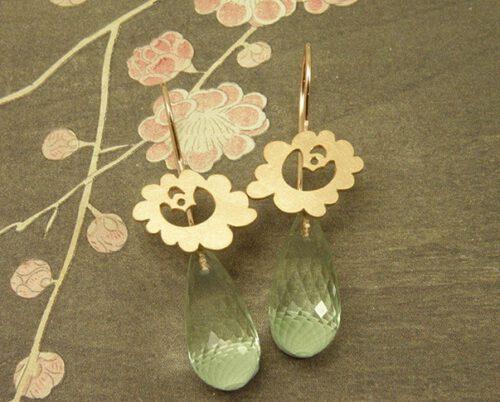 Roodgouden oorbellen met prasioliet. Bruidssieraden. Rose gold earrings with prasiolite. Bridal jewellery. Oogst Amsterdam.