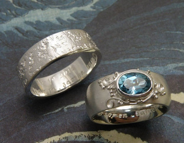 Zilveren relatieringen. Koraal en Filigrain met topaas. Silver partner rings. Coral and Filigrain with topaz. Oogst goudsmid.