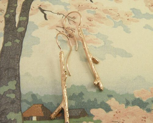 Rose golden 'Orchard' twig earrings. Oogst goldsmith in Amsterdam.
