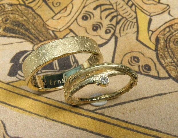 White gold Organic Wedding rings made by Oogst goldsmith Amsterdam