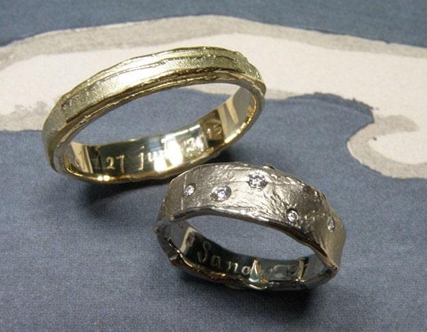 organische trouwringen geelgoud en witgoud met diamant.