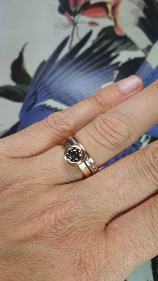 Ring Eenvoud met pavé diamanten en Ring Boleet. Ring rose gold stack. Oogst Amsterdam goudsmid
