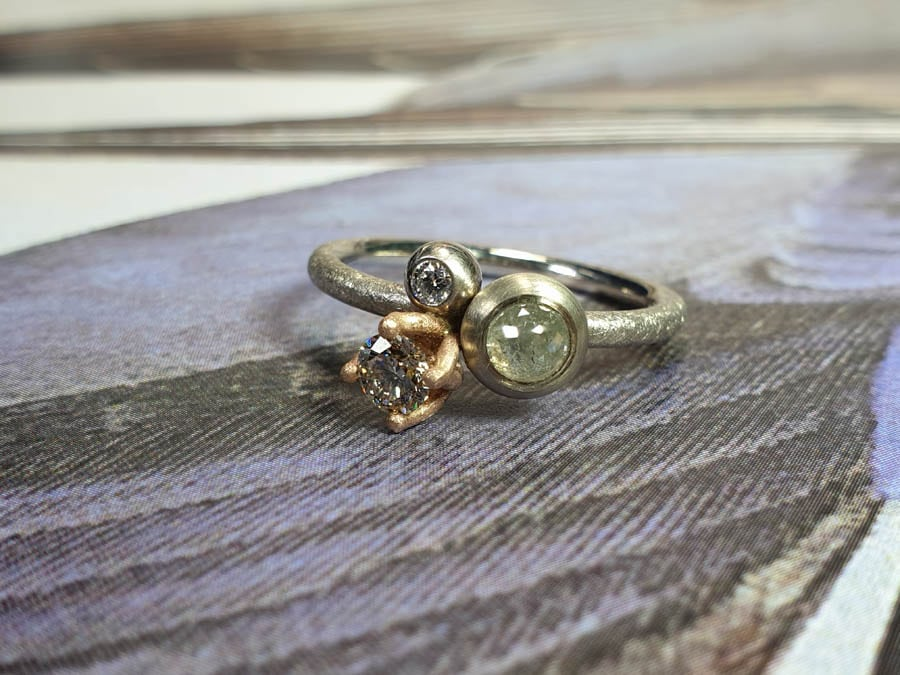 Ring Verzameling, witgoud met diamanten. Ring Cluster, white gold with diamonds. Oogst goudsmid Amsterdam