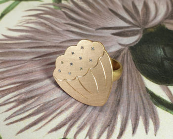 Roségouden ring Lotus uit de japonais collectie met diamanten. Rosé gold Lotus ring with diamonds. Amsterdam goudsmid Oogst.