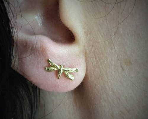 Yellow gold ear stud 'Insects'. Sweet 'Dragonfly' earrings. Design by Oogst goldsmith in Amsterdam