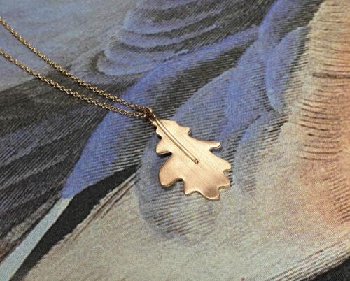 Roodgouden hanger Eikenblad. Rose gold Oak pendant. Oogst goudsmid Amsterdam