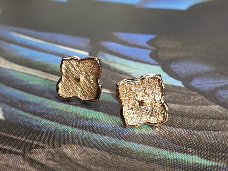 Rose gold earrings Japonais kamon . Oogst goldsmith Amsterdam