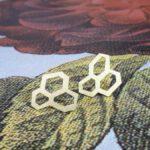 Geelgouden oorsieraden Honingraat. Yellow gold earrings Honeycomb. Oogst goudsmid Amsterdam