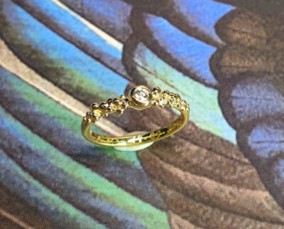 Geelgouden ring Bessen met diamant. Yellow gold ring Berries with a diamond. Oogst goudsmid Amsterdam