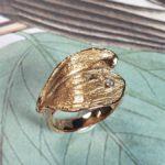 Roségouden ring Blad met diamant. Rosé gold ring Leaf with a diamond.. Oogst goudsmid Amsterdam