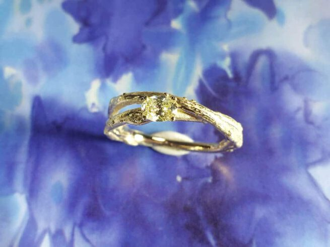 Geelgouden ring Boomgaard 0,25 ct ovaal cape. Yellow gold ring Orchard with oval cut diamond. Oogst goudsmid Amsterdam