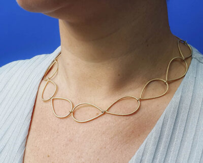 Geelgouden druppels schakel collier. Yellow gold necklace Drops. Oogst goudsmid Amsterdam