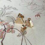 Oorsieraden hartjes. roségouden assieraad. Earrings Heart Rose gold remembrance jewel. Oogst goudsmid Amsterdam Gedenksieraad edelsmid