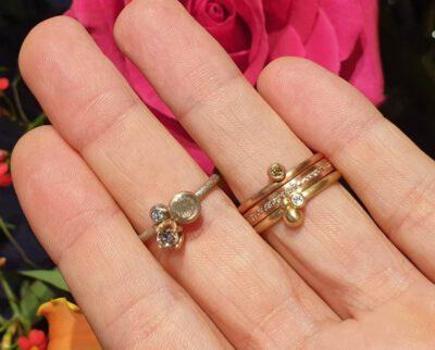 Ring Verzameling met Ring Eenvoud en Bessen. Ring Simplicity and rings Berries with ring Cluster. Oogst goudsmid Amsterdam