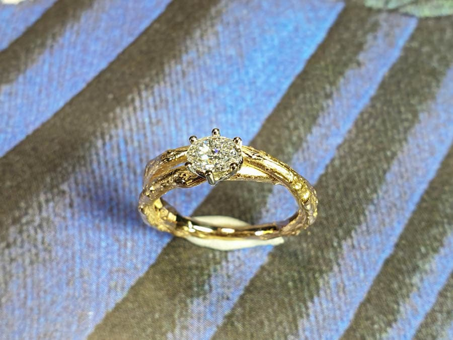 Roségouden Boomgaard verlovingsring takje overkruist met ovale diamant. Rosé gold Orchard engagement ring with 0,40 ct oval cut diamond. Oogst goudsmid Amsterdam