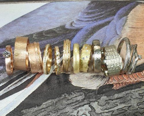 Oogst trouwringen, uit eigen atelier. Oogst Wedding rings, created in our own studio. Goldsmith Amsterdam. Goudsmid. Edelsmid. Partnerringen.