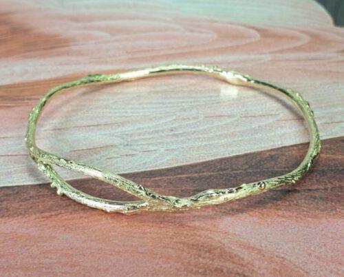 Armband Boomgaard, takjes rinkelband van eigen oud goud gemaakt. Bracelet Orchard, made from heirloom gold. Design by Oogst. Oogst goudsmid Amsterdam