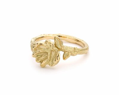Ring geelgouden japonais bloesem. Ring yellow gold Japonais blossoms. Oogst goudsmid Amsterdam.
