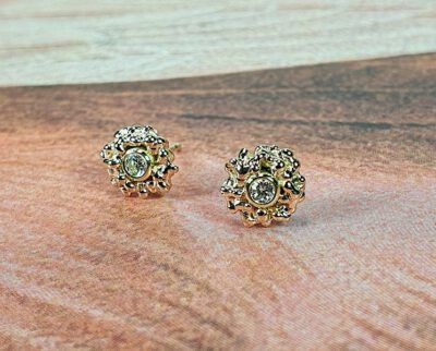 Roségouden Besjes oorbellen met diamant. Rosé gold Berries earstuds with diamonds. Oogst independent jewellery designer Amsterdam.