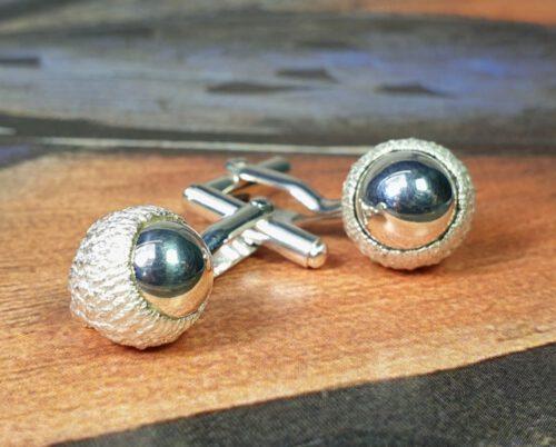 Zilveren Eik manchetknopen. Silver Oak cufflinks. Oogst goudsmid Amsterdam Independent jewellery designer.