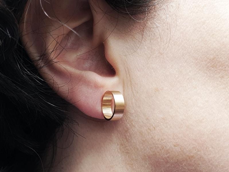 Roségouden oorsieraden Doosje cirkel. Rosé gold earrings Circle box. Oogst goudsmid Amsterdam. Independent jewellery designer.