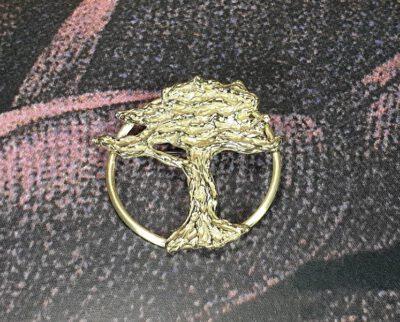 Speld Boom van eigen goud vervaardigd. Brooch Tree created from heirloom gold. Oogst goudsmid Amsterdam
