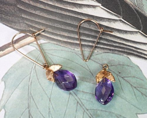 Rose gold ear pendants 'Leaves' with amethyst drops. Oogst Amsterdam design & creation.