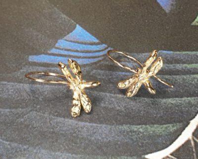 Roodgouden 'Libelle' oorsieraden. Rose gold 'Dragonflies' earrings. Oogst ontwerp & creatie