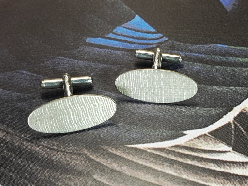 Zilveren manchetknopen 'Linnen'. Silver cufflinks 'Linen' Oogst ontwerp & creatie