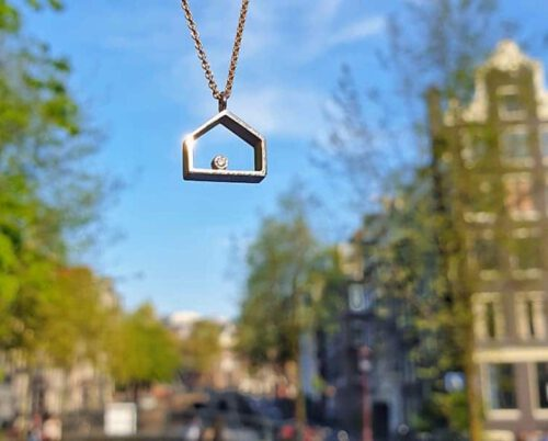 White gold pendant House with a diamond. Oogst design & creation Amsterdam.
