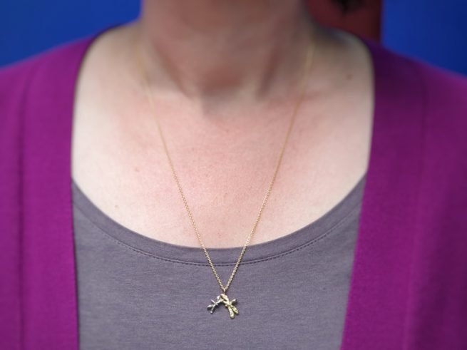 Yellow gold and white gold pendant 'Dragonflies'. Oogst goldsmith Amsterdam