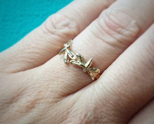 Golden ring Ínsects' with dragonflies, rose gold and yellow gold, Oogst goldsmith Amsterdam