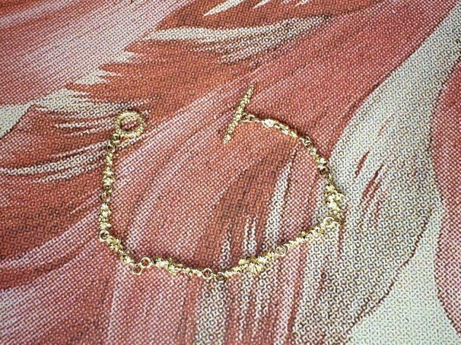 Geelgouden 'Bessen' armband. Oogst goudsmid Amsterdam.