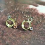 Geelgouden 'Wolk' oorbellen met diamant. Oogst Amsetrdam