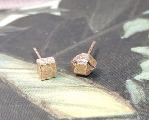 Rose gold 'Crystals' ear studs. Design by Oogst goldsmith Amsterdam.
